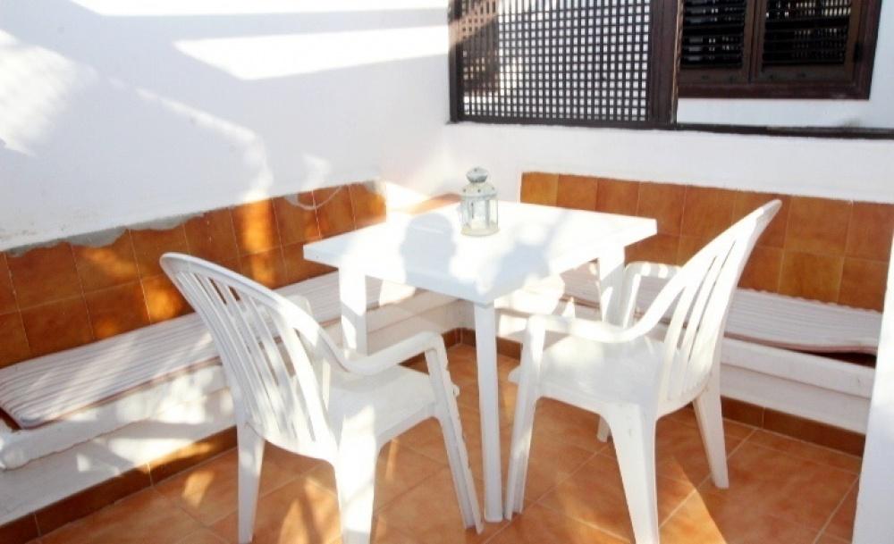 2 Bedroom apartment with communal pool for sale in Puerto del Carmen - Puerto del Carmen - lanzaroteproperty.com