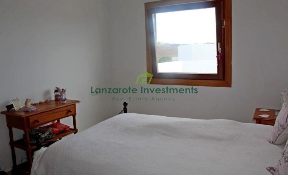 3 bedroom 2 bathroom villa with separate apartment in Playa Blanca - Playa Blanca - lanzaroteproperty.com
