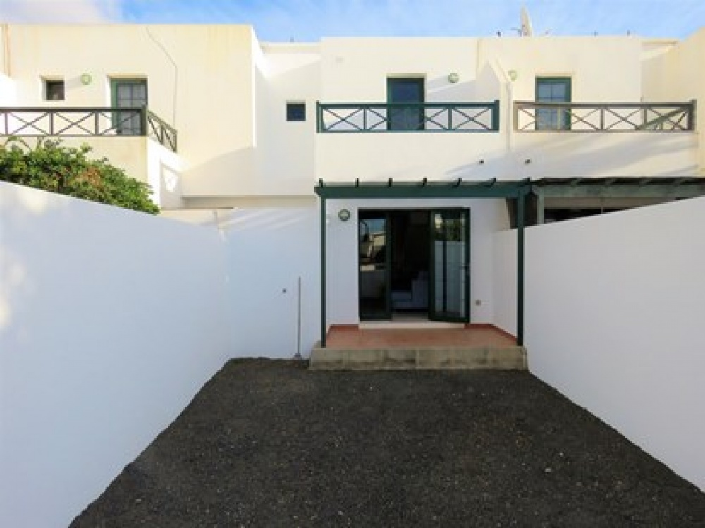2 bedroom duplex for sale in Costa Teguise - Costa Teguise - lanzaroteproperty.com