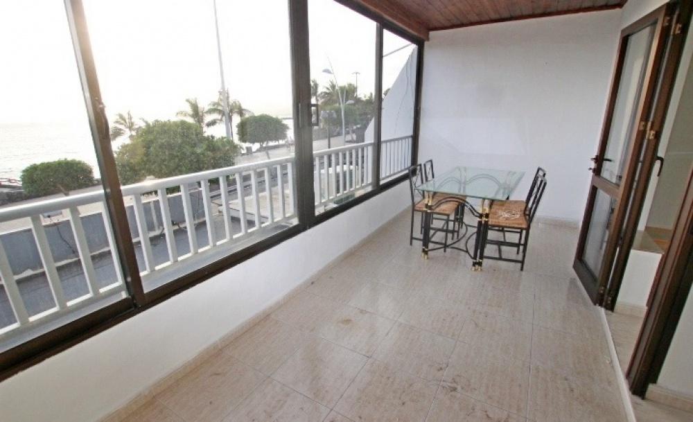 2 Bedroom front line apartment for sale in central Puerto del Carmen - Puerto del Carmen - lanzaroteproperty.com