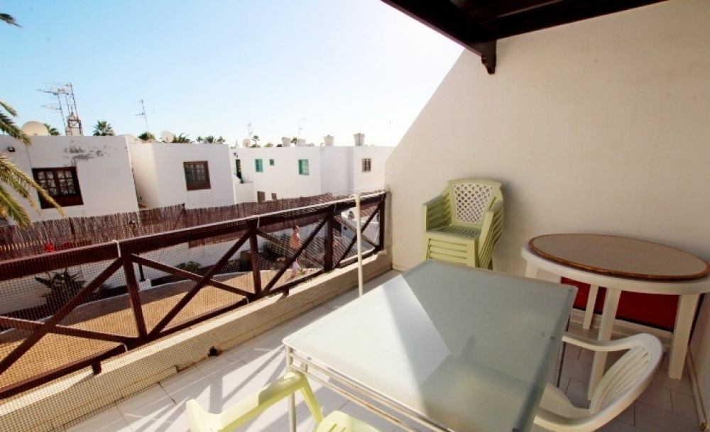 Top floor 1 bedroom apartment for sale in central Puerto del Carmen - Puerto del Carmen - lanzaroteproperty.com