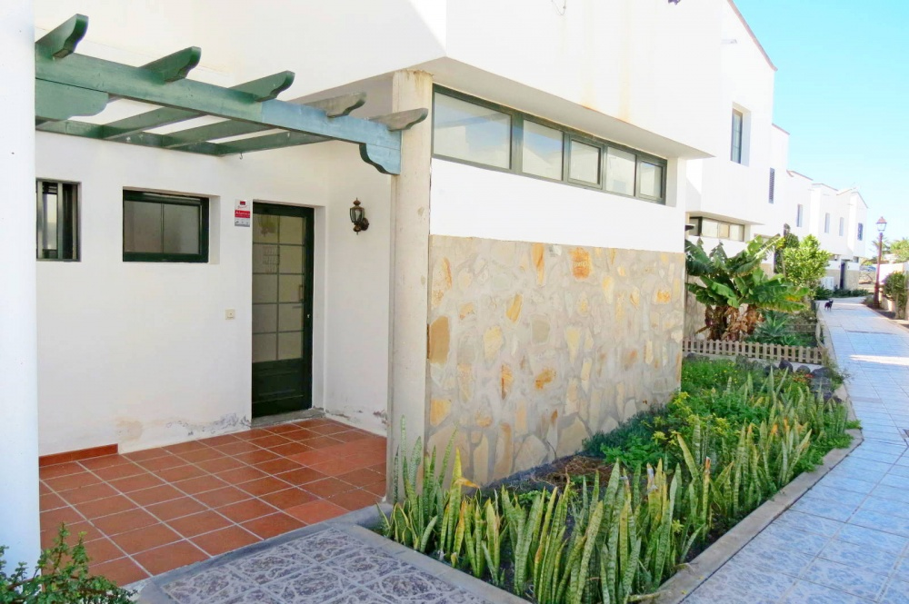 2 bedroom duplex with garden in Playa Blanca - Faro Park - lanzaroteproperty.com